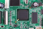 Elektronická deska s čipy a transitors