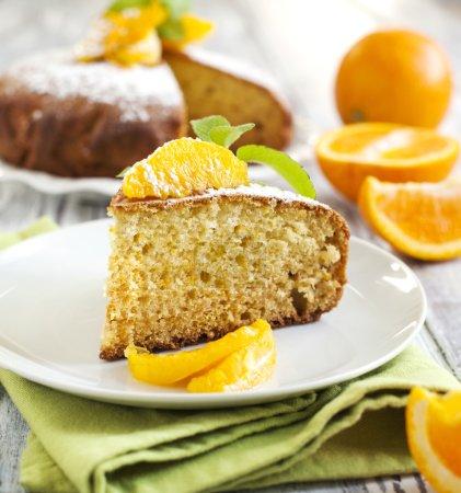Photo pour Gâteau yaourt orange - image libre de droit