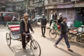 Delhi, india - jan 06: egy azonosítatlan riksa vezető-ra a st