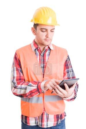 Modern builder using wireless tablet
