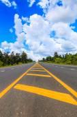 route goudronnée en Thaïlande