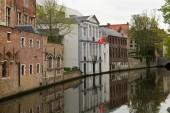 Kanál v centru středověkého města Bruggy, Belgie
