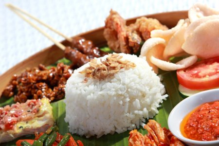Healthy and delicious indonesian food for lunch...