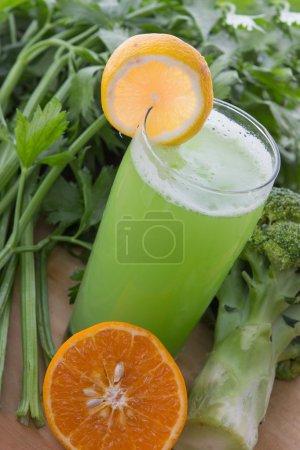 Broccoli and celery mix juice