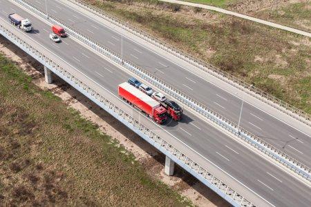 Photo pour Vue aérienne de l'autoroute en pologne - image libre de droit
