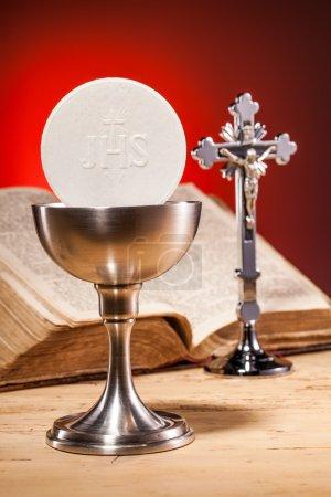 Photo pour Sainte communion chrétienne et bible - image libre de droit