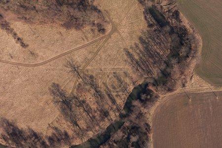 Photo pour Vue aérienne des champs de récolte en pologne - image libre de droit