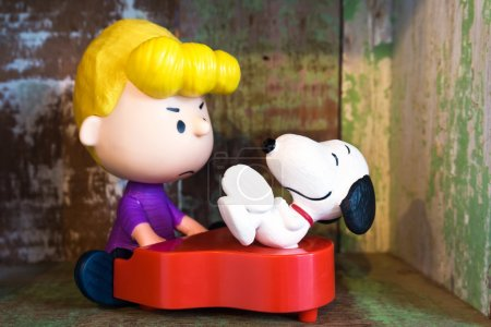 Schroeder and Snoopy figure toy