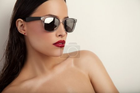 red lips and sunglasses