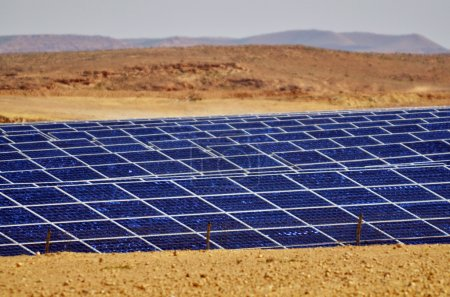 Photovoltaics in desert solar power farm in the Negev desert, Is