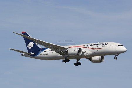 Aeromexico Boeing 787 Dreamliner dans le ciel de New York avant d'atterrir à l'aéroport Jfk