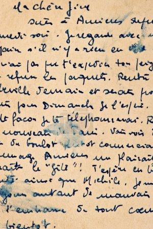 Foto de Carta vieja escritura vintage. Fondo de Grunge manuscrito con francés texto. Textura papel envejecido - Imagen libre de derechos