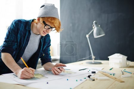 architect making sketch