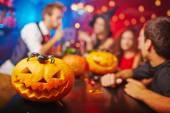 Jack-o-Laterne im Nachtclub zu Halloween
