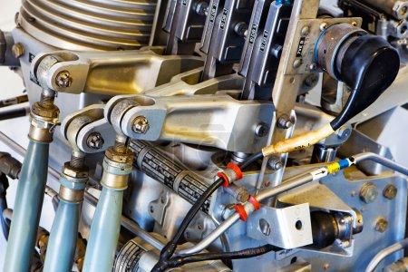 Photo pour Les parties mécaniques d'un vieux moteur - image libre de droit
