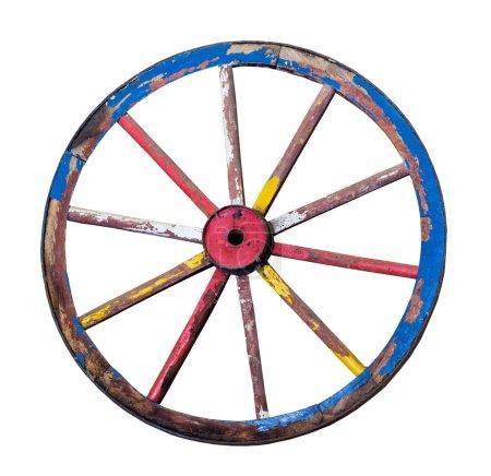 La vieille roue en bois sur fond blanc