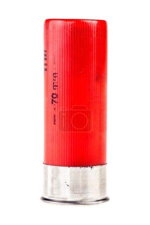 Photo pour Coquille de fusil de chasse isolé sur fond blanc de calibre 12 - image libre de droit