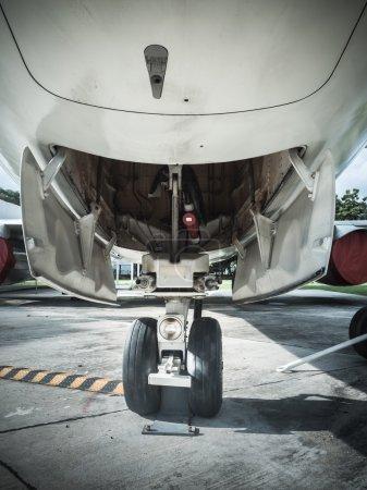 Front landing wheel aircraft
