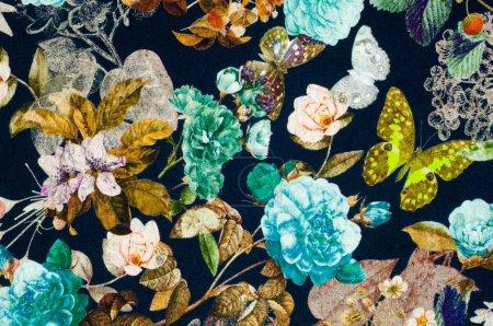 Трикотажное полотно. Цветы, ягоды и бабочки на черной спине