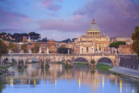 Photo pour Vue de la cathédrale Saint-Pierre de Rome, Italie . - image libre de droit