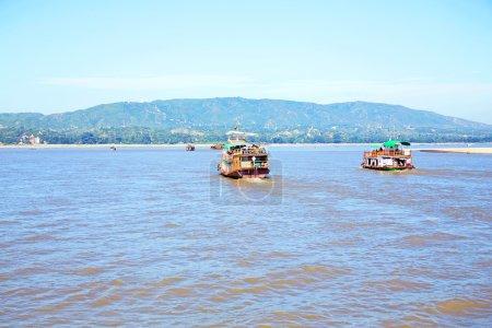 El río Irrawaddy o río Ayeyarwady es un río que fluye