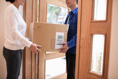 parcel delivery process