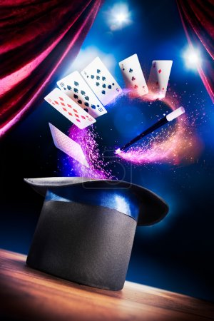 Photo pour Photo composite d'un chapeau magique sur une scène - image libre de droit
