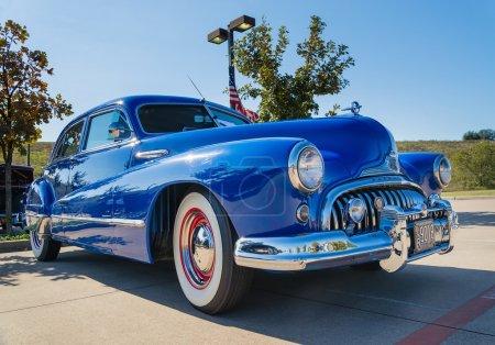 Синий 1947 Buick супер классический
