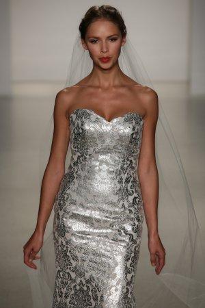 Kelly Faetanini runway Show
