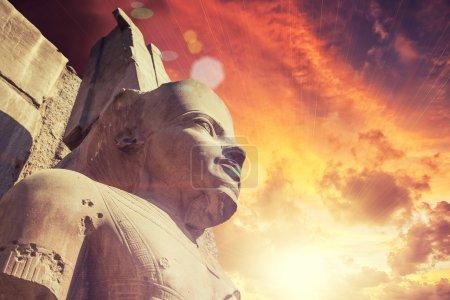 Photo pour Ancien temple Karnak à Louxor - image libre de droit
