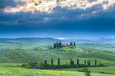 house in italian Tuscany landscape
