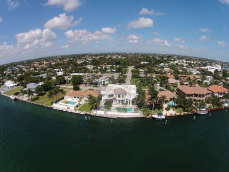Waterfront homes in Boca raton, Florida