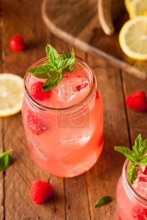 Refreshing Cold Raspberry Lemonade