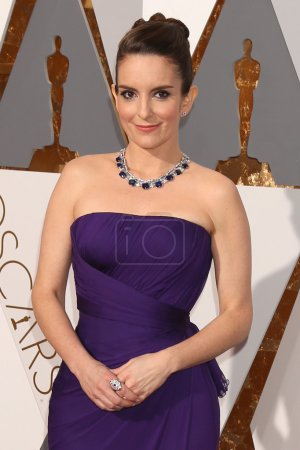 Foto de LOS ANGELES - FEB 28:  Tina Fey at the 88th Annual Academy Awards - Arrivals at the Dolby Theater on February 28, 2016 in Los Angeles, CA - Imagen libre de derechos