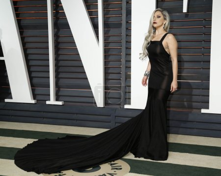 Photo pour LOS ANGELES - FEB 22:  Lady Gaga at the Vanity Fair Oscar Party 2015 at the Wallis Annenberg Center for the Performing Arts on February 22, 2015 in Beverly Hills, CA - image libre de droit