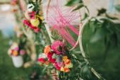 Svatební dekorace květin a zeleně