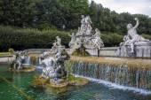 Fontána královský palác Caserta
