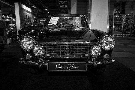 Спортивный автомобиль Фиат превосходным сервисом Мазерати