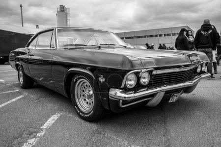 Fullsize car Chevrolet Impala fourth
