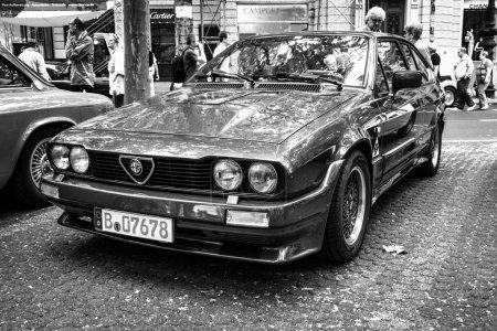 Спортивный автомобиль Альфа Ромео GTV6