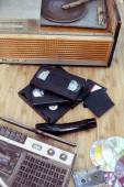 Old subjects of 70-90 years: a record player, video of the cartr