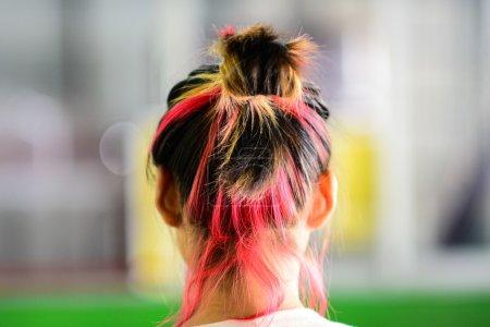 Photo pour Arrière des cheveux colorés teints - image libre de droit