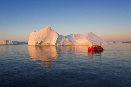 Huge icebergs of polar regions
