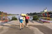 Four rowers wear ship