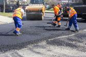Asfaltování a opravy silnic