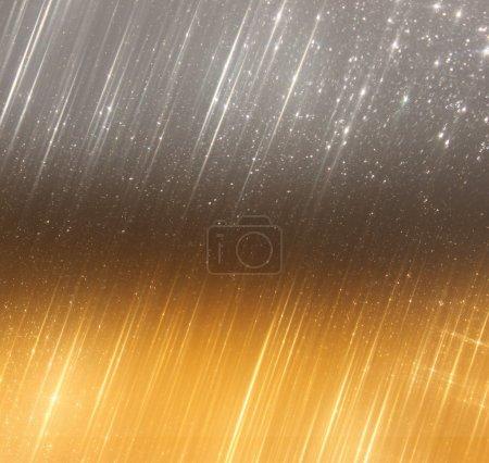 Foto de Oro y plata blanco abstracto bokeh luces. Fondo Defocused - Imagen libre de derechos