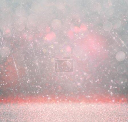 Foto de Fondo de luces bokeh con múltiples capas y colores blanco, rosa, plata y azul - Imagen libre de derechos