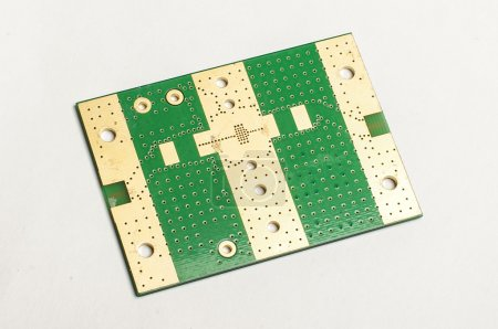 Electronic printed circuit board bottom layer