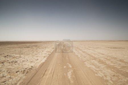 Photo pour Incroyable lac asséché, désert du sahara, Maroc - image libre de droit