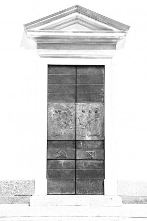Door in italy old ancian wood and traditional     ...